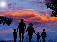 family-1517192__180
