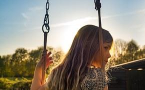girl-1610955__180